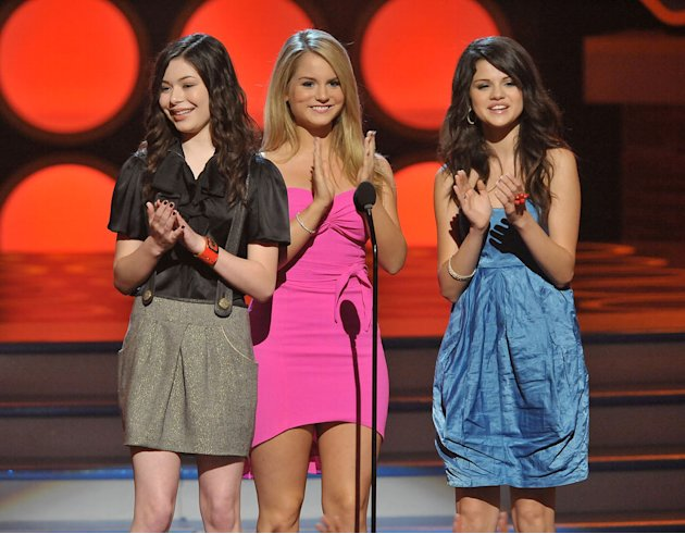 Actresses Miranda Cosgrove, JoJo and Selena Gomez onstage during the 2008 Teen Choice Awards at Gibson Amphitheater on August 3, 2008 in Los Angeles, California.