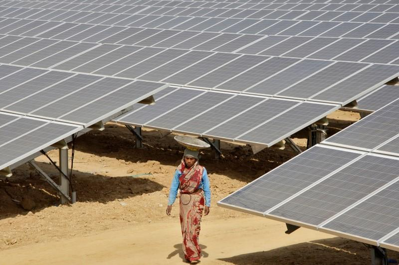 U.S., India in talks to settle solar power trade dispute