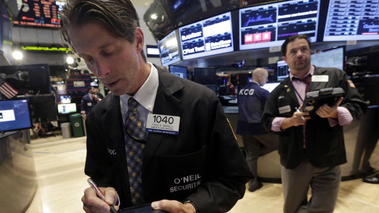 Stocks edge higher after encouraging jobs reports