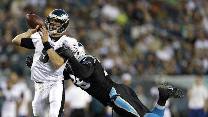 Vick, Foles lead Eagles over Panthers