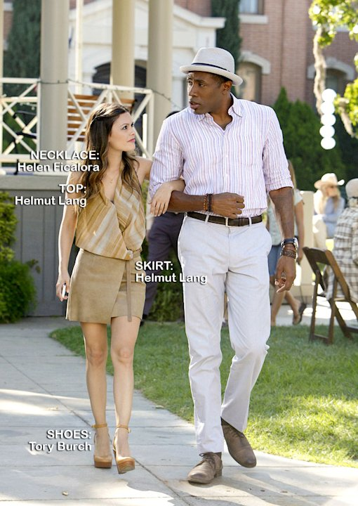 Rachel Bilson as Dr. Zoe Hart and Cress Williams as Lavon Hayes in the Season 1 episode &quot;Faith &amp; Infidelity.&quot; Hart of Dixie 