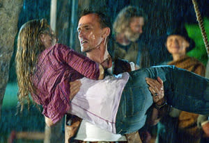Alona Tal, Robert Knepper | Photo Credits: Cate Cameron/The CW
