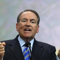 Mike Huckabee Says You Should Wait Until Obama Leaves Office To Join The Military