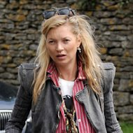 Kate Moss Revives a Shoe Trend!