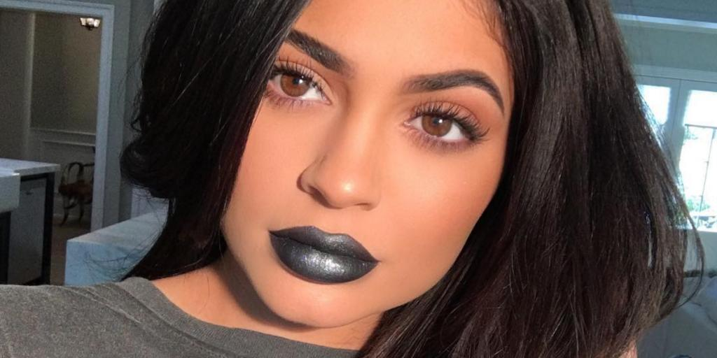 5 Girls Tried Kylie Jenner's Black Metallic Lipstick And Here's What Happened