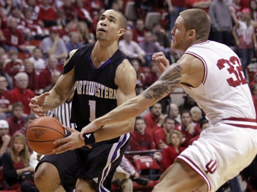 No. 18 Hoosiers hold off Northwestern 71-66