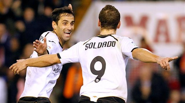 Jonas and Roberto Soldado of Valencia