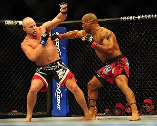 Tim Boetsch Hector Lombard