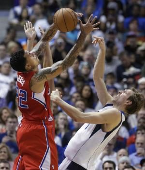 Clippers rally to beat Mavs 109-103