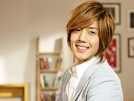 Kim Hyun-joong follows his fans' example