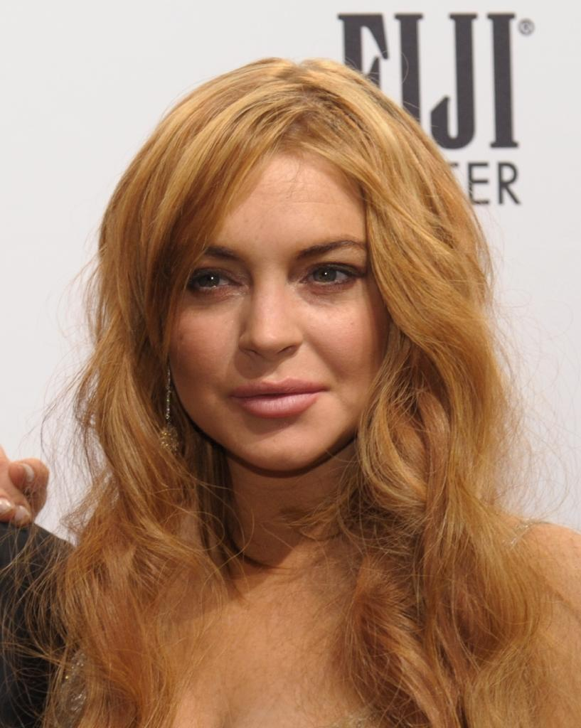 Lohan avoids jail with 125 hours of community service