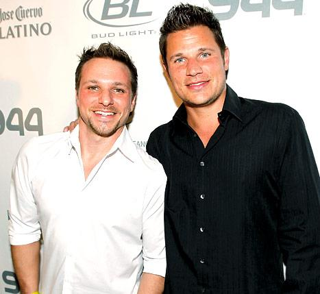 Nick Lachey Makes First Appearance Since Son Camden's Birth to Support Brother Drew at Dancing With the Stars