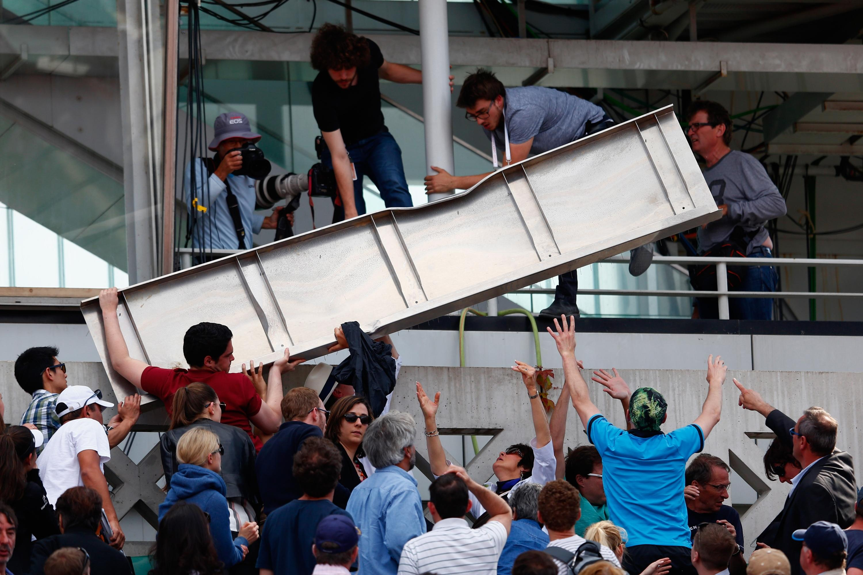 French Open match halted as spectators injured