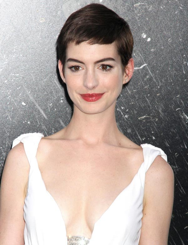 Anne Hathaway, Star Of &#x2018;Dark Knight Rises,&#x2019; Speaks Out On Massacre