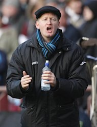 Saints Manager Steve Lomas, pictured, described Steven MacLean's gameplay as 'unbelievable'
