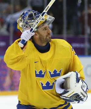 Short-handed Sweden beats Switzerland 1-0