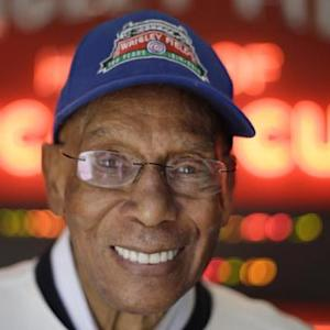 Ernie Banks, legendary Chicago Cubs player, dead at 83