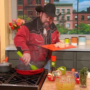 'Food Network Star' Finalist Lenny McNabb Helps a Family Find a Budget-Friendly Meal