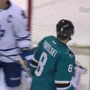 Joe Pavelski scores after great team passing