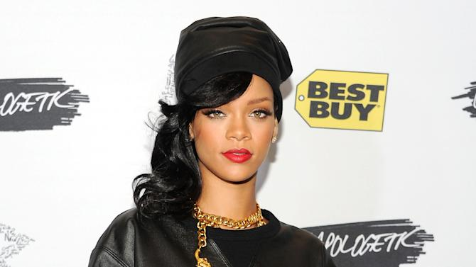 Rihanna's fashion collection to debut in Feb.