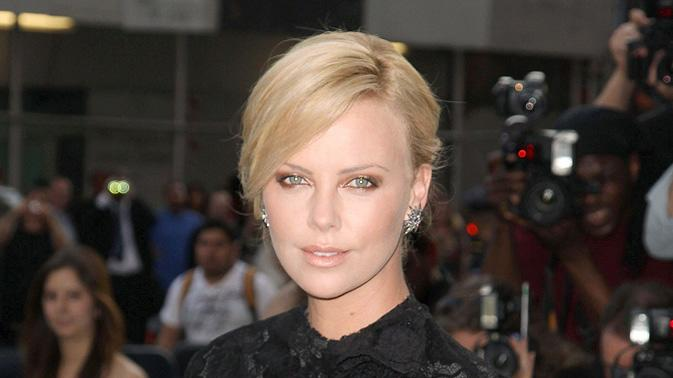 36th Film Society Of Lincoln Center's Gala Tribute 2009 Charlize Theron
