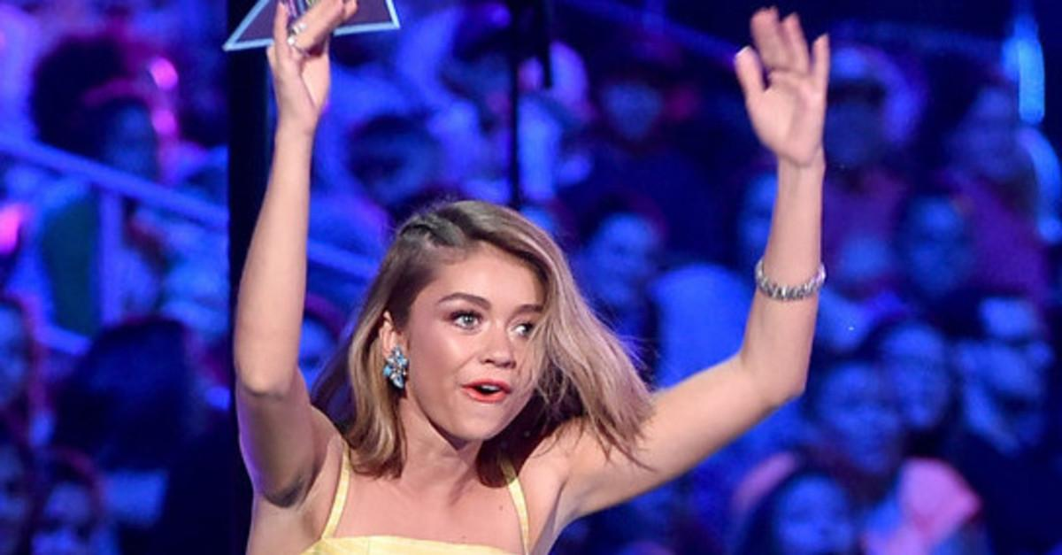 Her Dress Dropped Jaws At The Teen Choice Awards