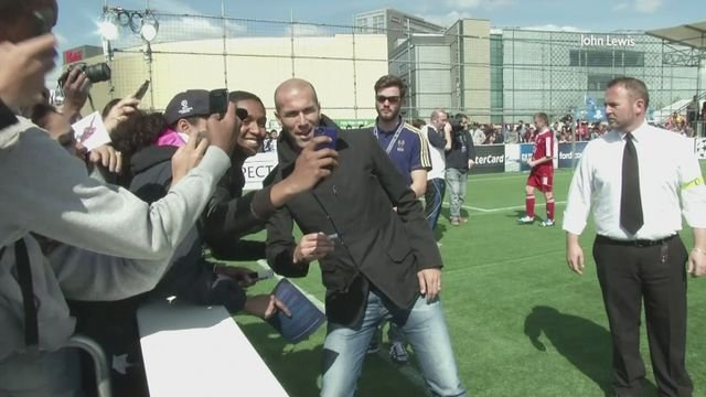 Zidane attends youth game ahead of CL final