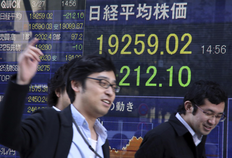Yemen weighs on world shares, data highlights Japan doldrums