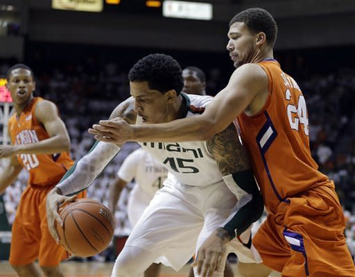 No. 6 Miami beats Clemson for outright ACC title