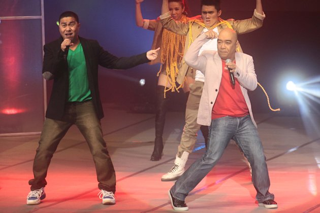Jose Manalo and Wally Bayola perform with G Force.