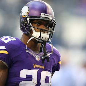 Adrian Peterson back with Vikings: 6/2