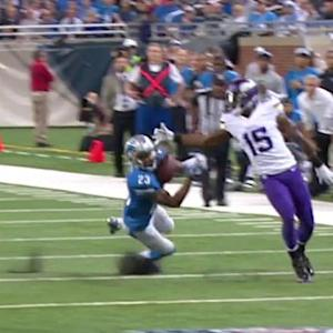 Minnesota Vikings quarterback Teddy Bridgewater intercepted by Detroit Lions cornerback Darius Slay