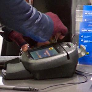 MoneyWatch: 25M expected to shop on Thanksgiving; Blackberry luring iPhone users