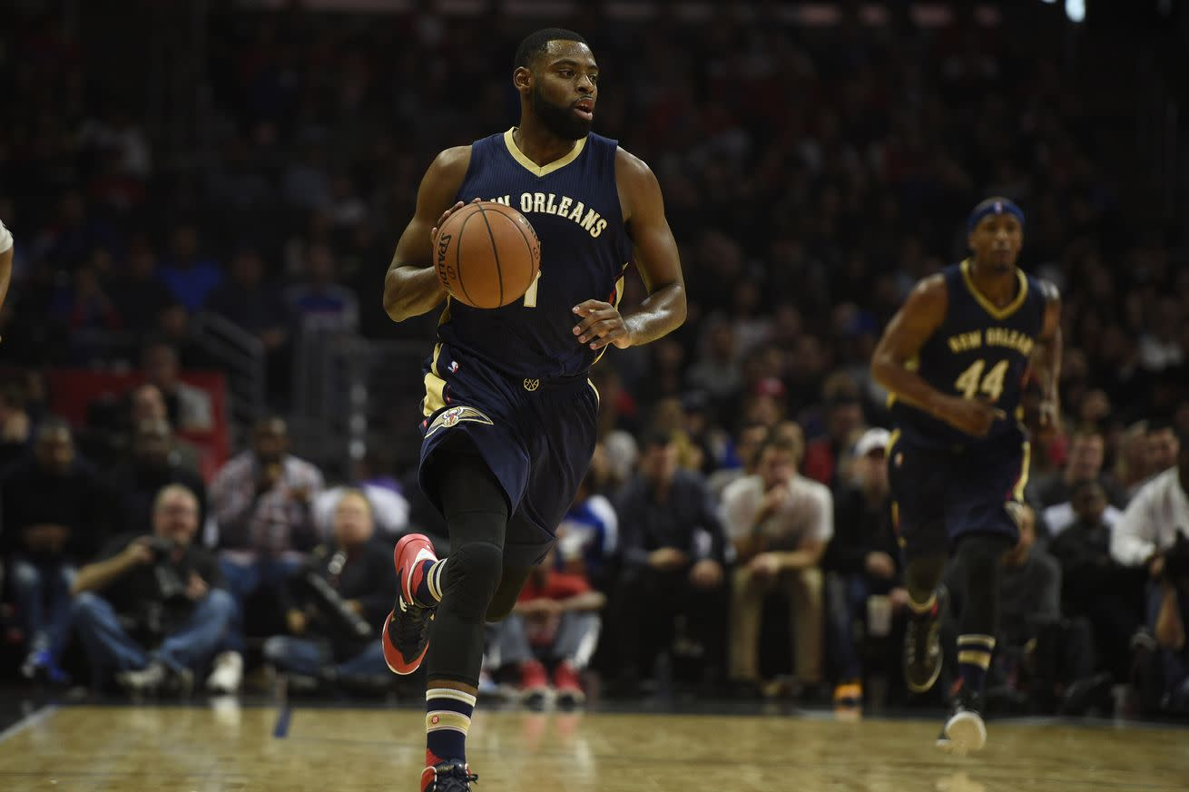 Tyreke Evans to miss rest of season with knee injury, according to report