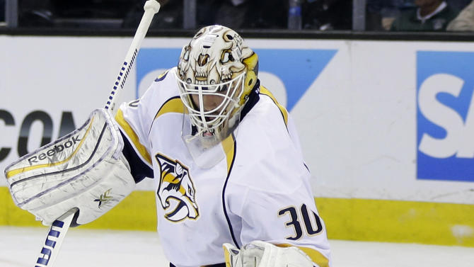 Hornqvist helps Predators beat Sharks 3-0
