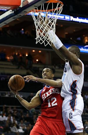 Turner scores 25 as 76ers beat Bobcats 104-98