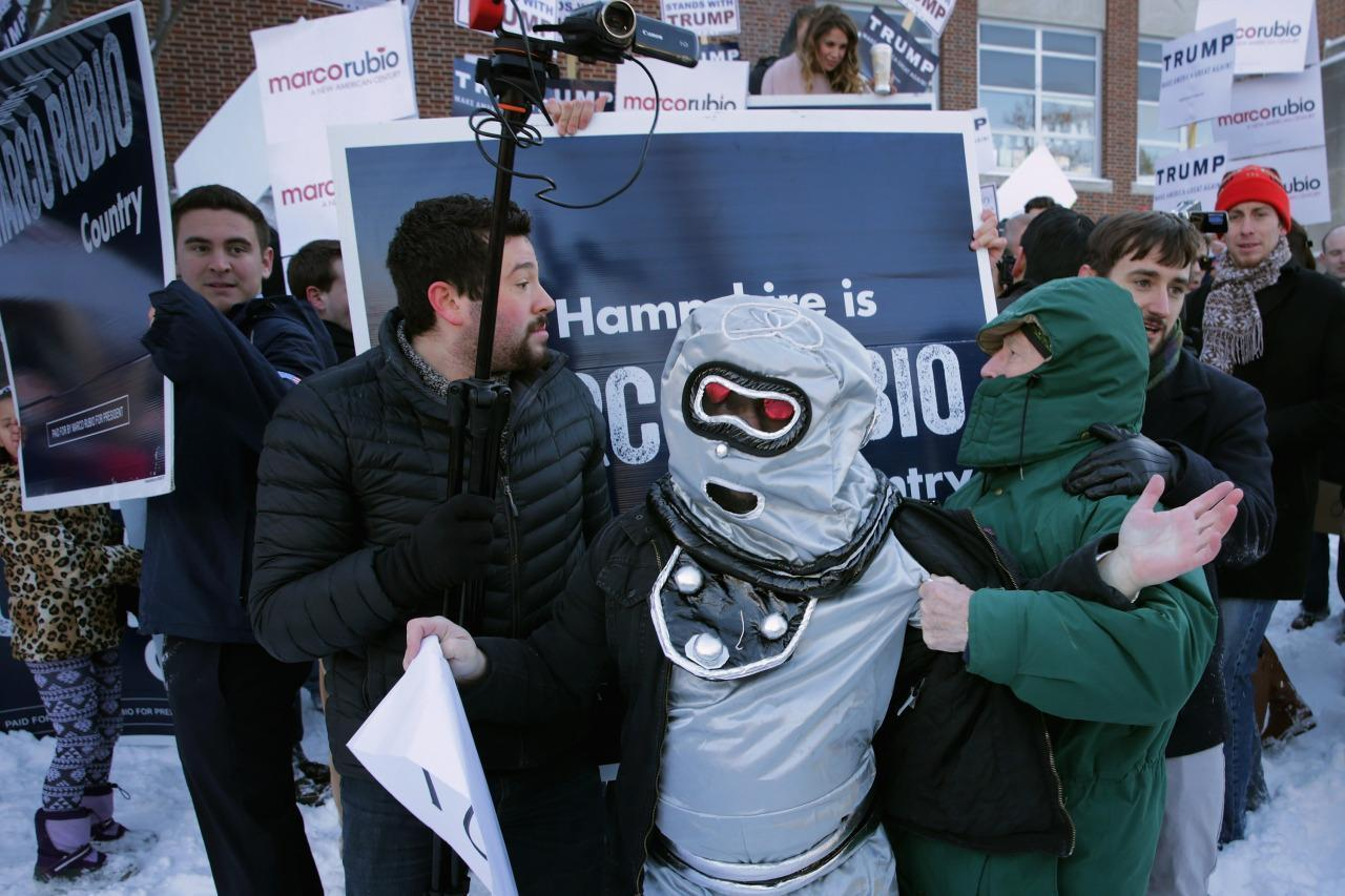 Marco Rubio supporters clash with the 'Rubio robots' in New Hampshire