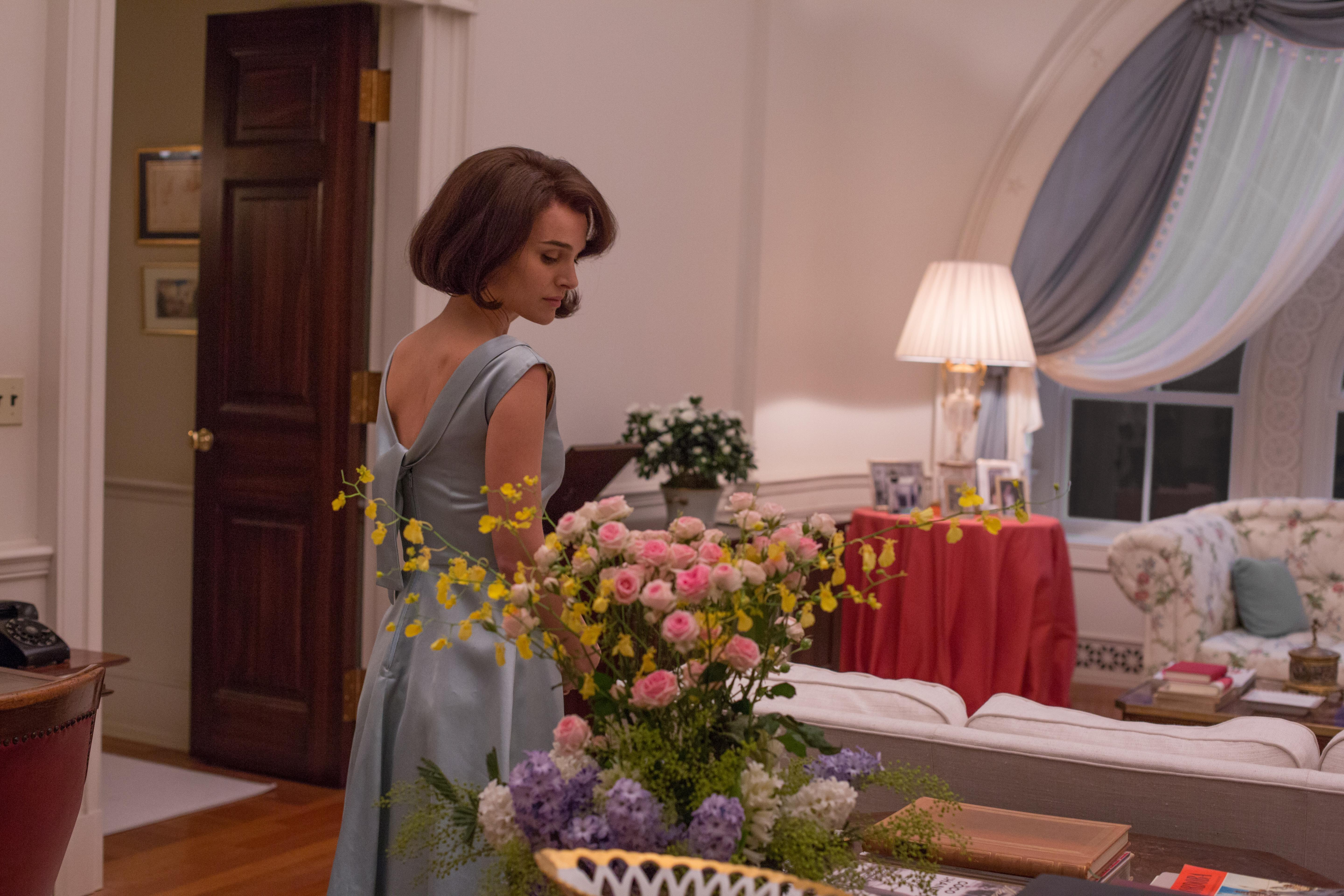 'Jackie' Review: Natalie Portman Astonishes With A Side Of Jackie Kennedy Never Before Seen