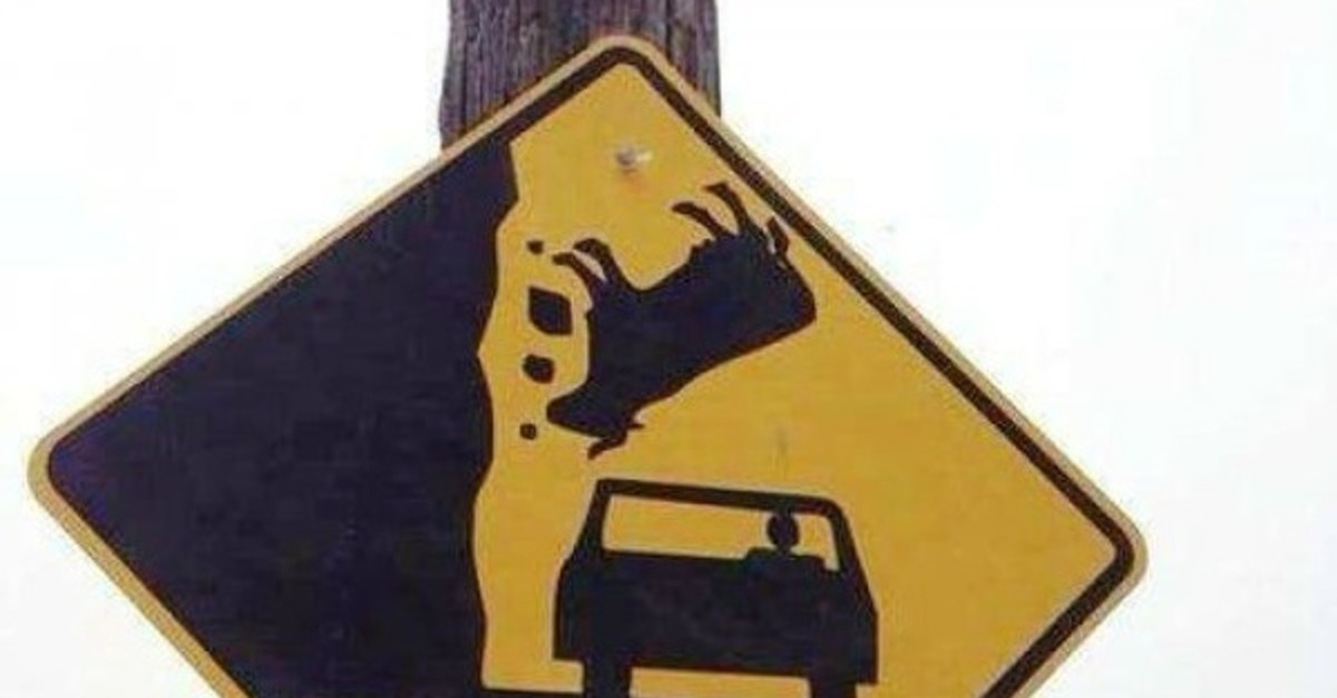 10 Most Confusing Signs Ever Made