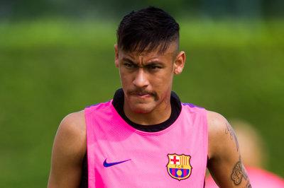 FC Barcelona News: 22 August 2014, Neymar Suffers Ankle Sprain in Training, Dani Alves Expects Improvement