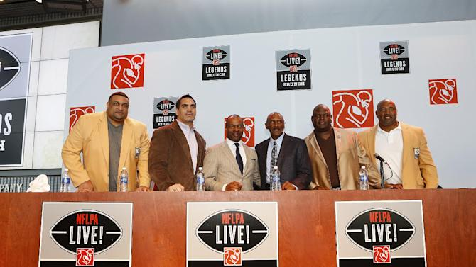 IMAGE DISTRIBUTED FOR NFLPA - Former NFL stars Willie Roaf, Kevin Mawae, Charlie Joiner, Rickey Jackson and Dermontti Dawson join NFLPA Executive Director DeMaurice Smith for a photo following the NFLPA Legends Brunch at the National World War II Memorial Museum on Sunday, Feb. 3, 2013 in New Orleans, Louisiana. (Aaron M. Sprecher/AP Images for NFLPA)