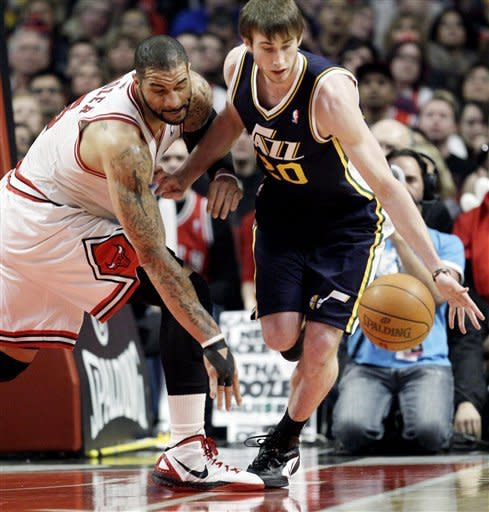 Rose, Boozer, Korver lead Bulls past Jazz, 111-97