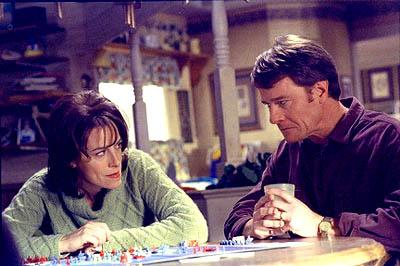 "With Malcolm out of the picture; Lois and Hal (L-R: Jane Kaczmarek, Bryan Cranston) find games of deception a bit more challenging on the ""Surgery"" episode of Fox's Malcolm In The Middle"
