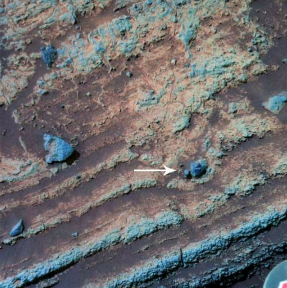 Ancient Mars Volcano Blast Hints at Planet's Wet History