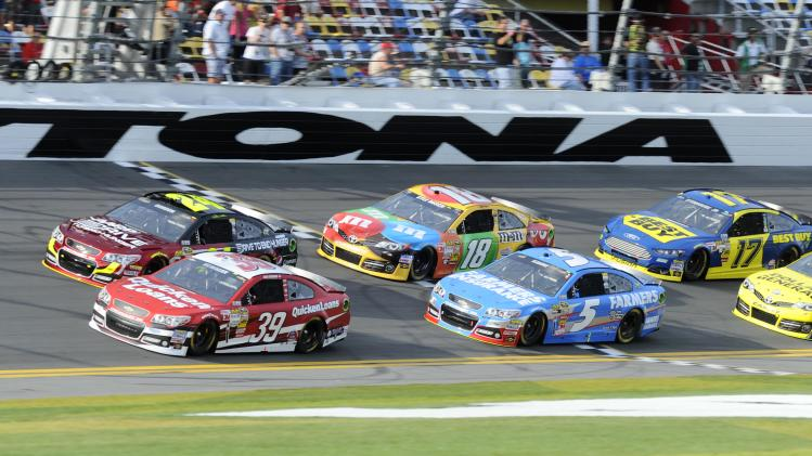 NASCAR Sprint Cup Series: Budweiser Duel-Race Two