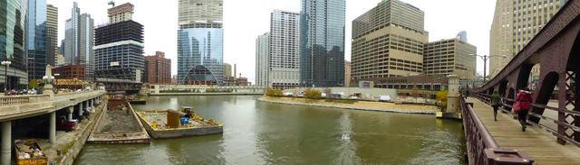 Trio of Towers at Chicago River Confluence Continue to Climb
