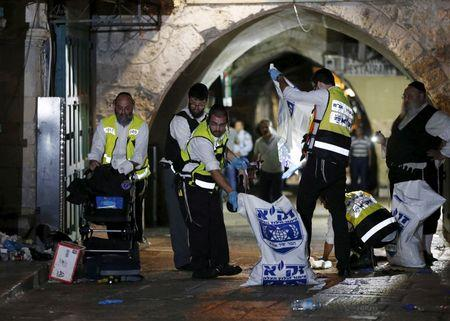 Palestinians stab Israelis in two attacks; PM calls in security chiefs