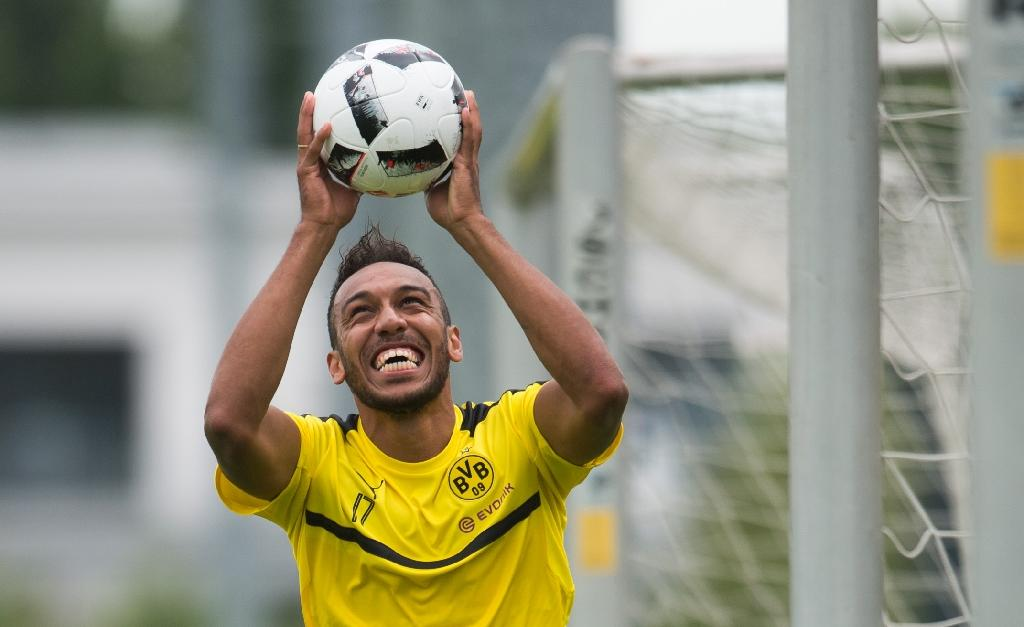 Aubameyang targets titles with Dortmund