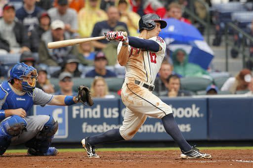 Braves rally with 4-run 8th to sweep Dodgers