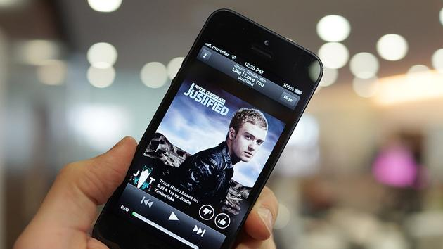 Spotify planning free music service for mobile, says WSJ